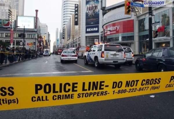 Неизвестные расстреляли автомобиль в центре Торонто