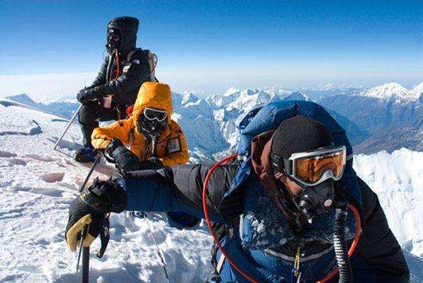 Эверест может быть закрыт для восхождения ввиду забастовки гидов