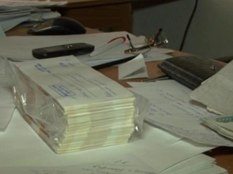 Директора одной из управляющих компаний Приангарья задержали за взятку