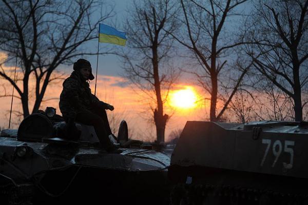 Около сотни неизвестных с автоматами и гранатометами напали на воинскую часть в Донецкой области