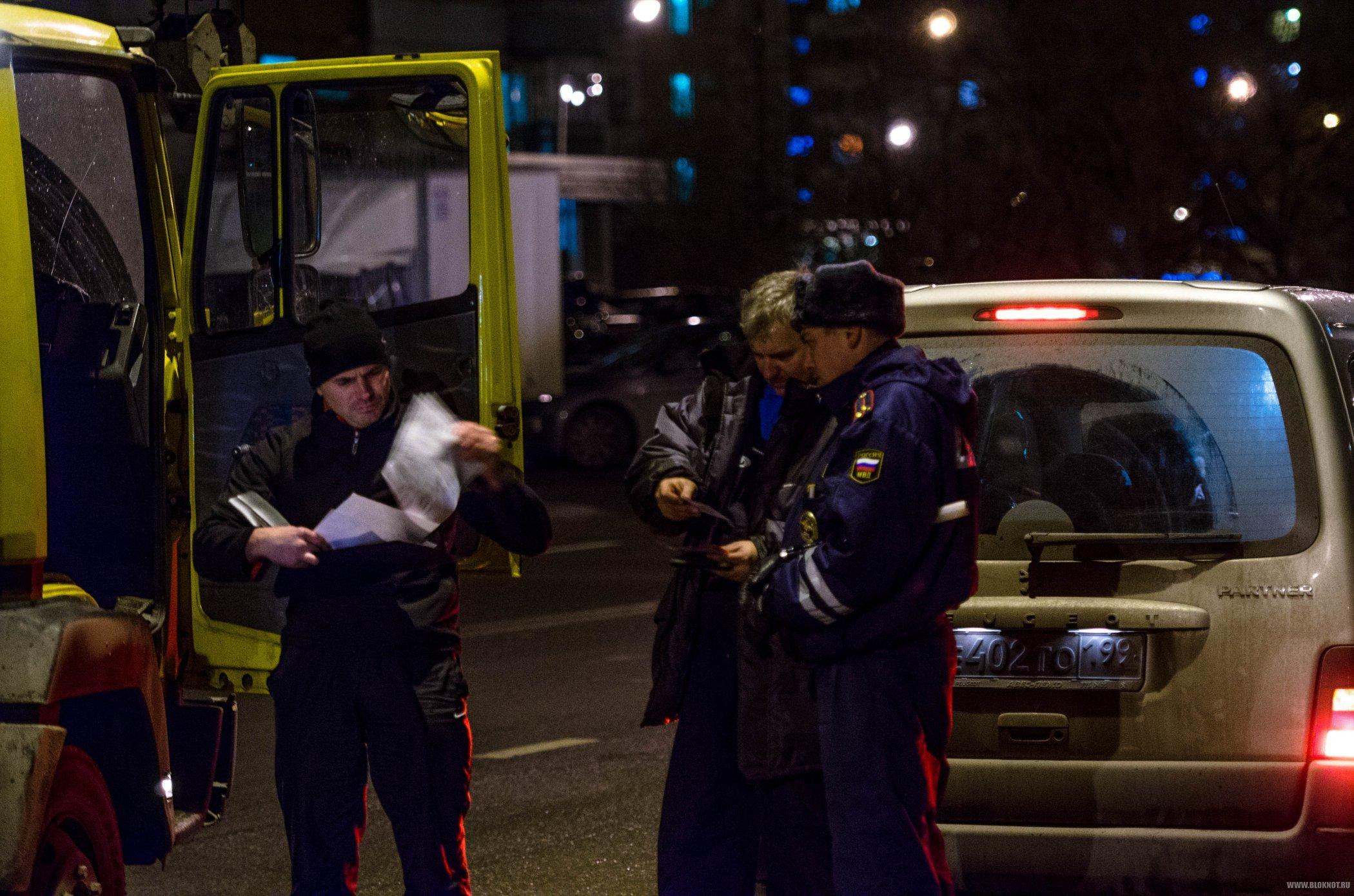 На юге России сотрудник ДПС шантажировал водителей сломанным алкотестером