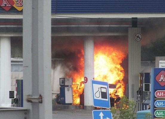 Три человека стали жертвами взрыва на АЗС в Киевской области