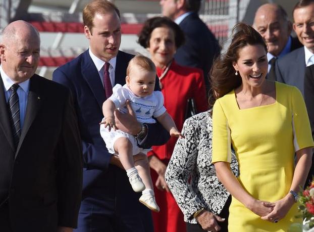 В Австралии герцогиня Кейт Миддлтон нарядила сына в рюшки