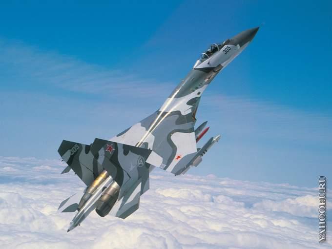 В Приморье самолет Су-27 совершил аварийную посадку