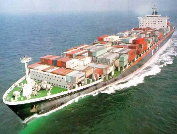 Четыре российских моряка выжили в кораблекрушении у берегов Греции