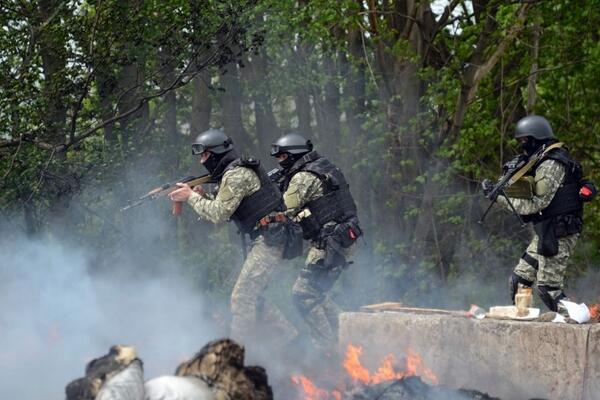 С минуты на минуту в центре Славянска ждут штурма украинскими силовиками