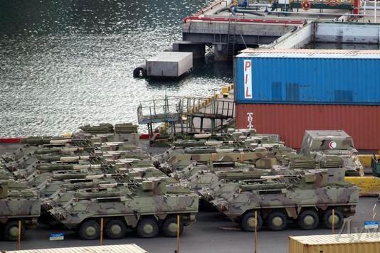 Бронетехнику из Крыма Украина перебрасывает на восток