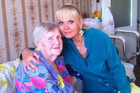 На 101-ом году жизни ушла бабушка певицы Валерии