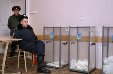 Выборы украинского президента будут охранять 75 тыс. человек