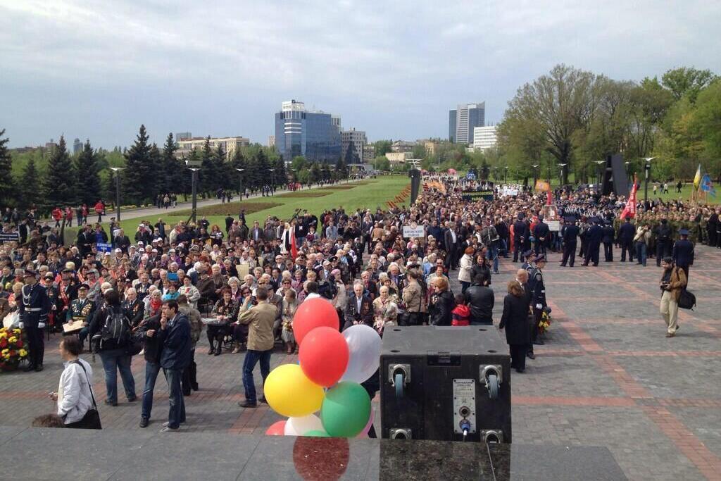 Представитель Донецкой республики на митинге в Донецке призвал людей прибыть на референдум