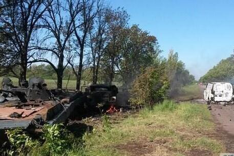Бойцы Коломойского напали на базу украинских военных. 15 силовиков убиты.