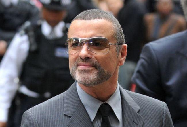 Британский певец Джордж Майкл попал в больницу