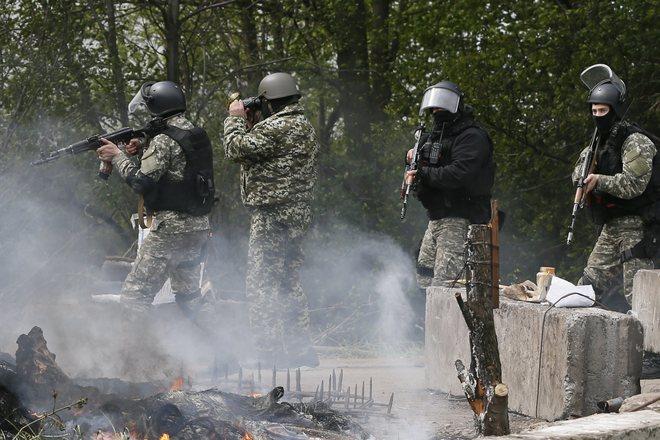 Краматорск: силовики освободили здание Службы безопасности и обороны Украины. Стреляют в граждан, сваливая все на ополченцев