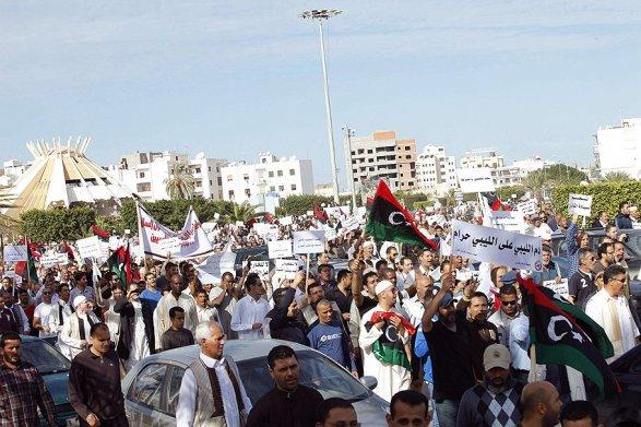 В Ливии происходит государственный переворот. К власти пришел новый Каддафи?