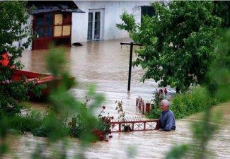 Число жертв наводнений в Сербии выросло до 17 человек, всего на Балканах 44 погибших