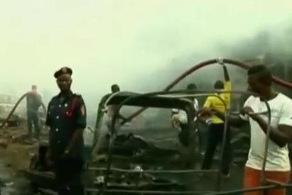 При взрывах в Нигерии погибли больше ста человек