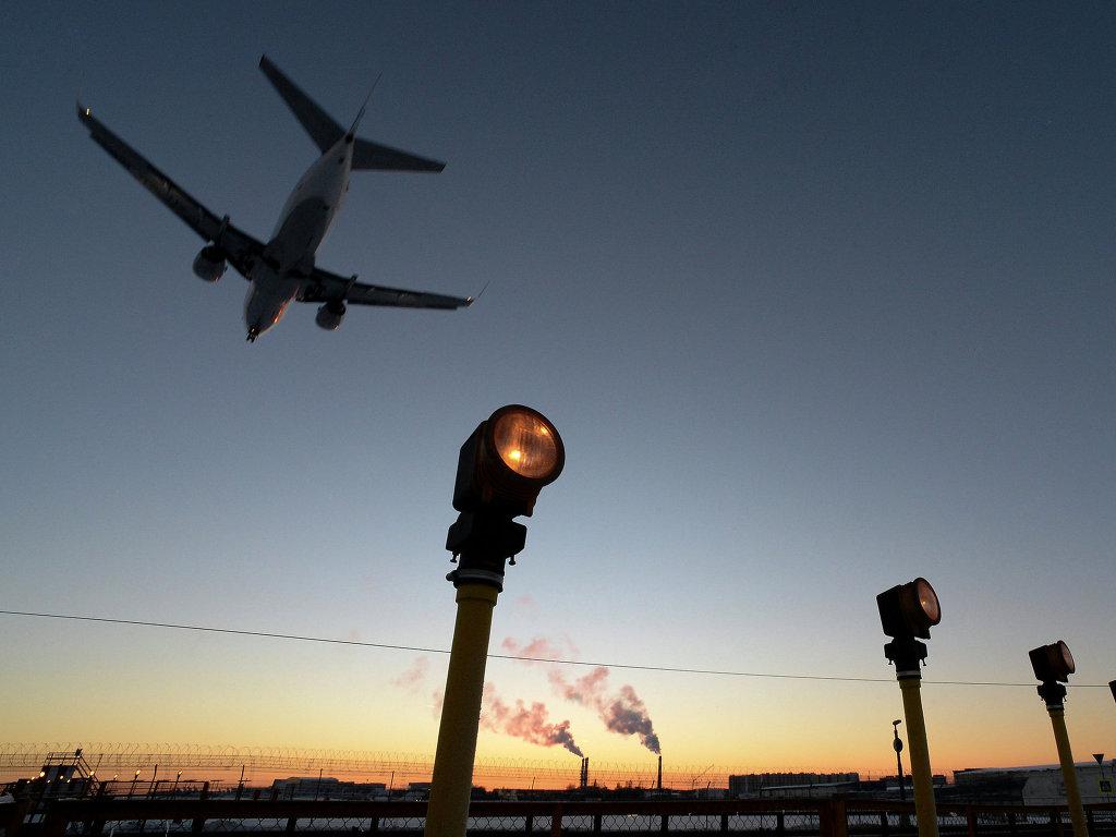 Российским авиакомпаниям отказано в воздушном пространстве Украины