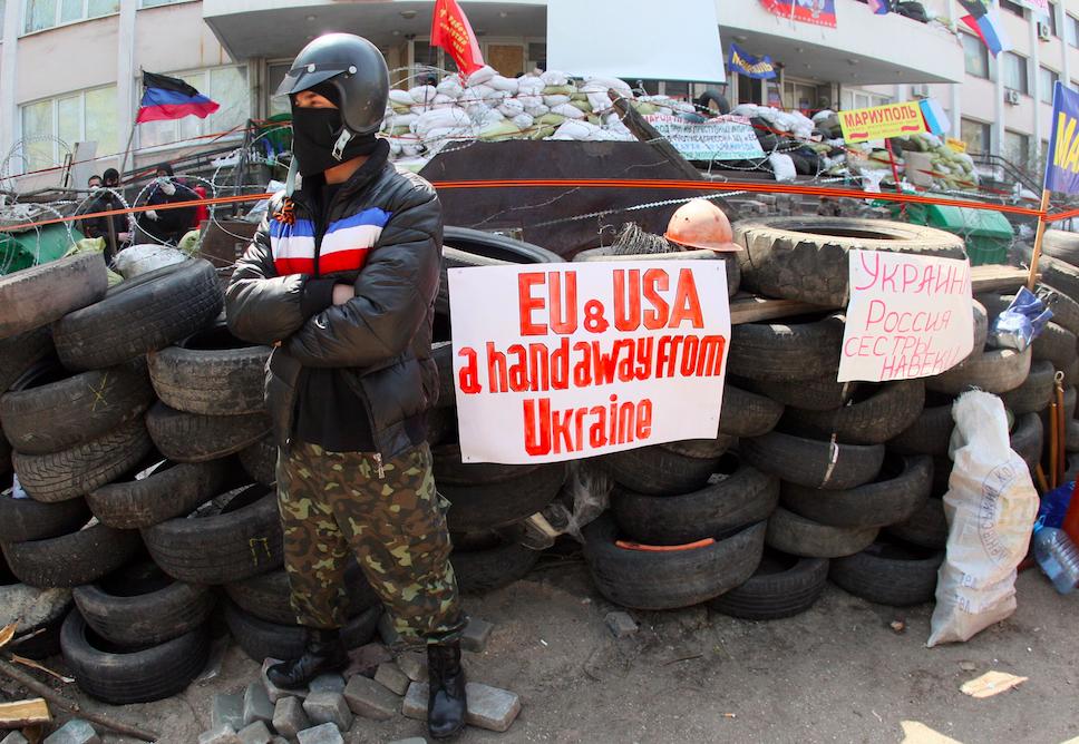 Под Луганском обстреляли блокпост милиции