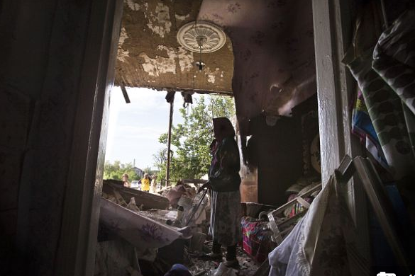 Ополченцы сообщили о разрушении домов во время обстрела Славянска