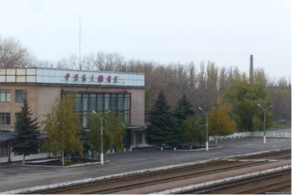 В Рубежном под Луганском украинские силовики обстреляли из пушек мирное население