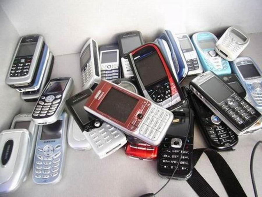 Узбекским милиционерам и прокурорам запретили пользоваться мобильными на работе: сидят в «Одноклассниках»