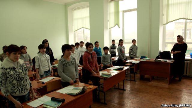 Чиновники министерства образования требуют, чтобы учителя давали клятву