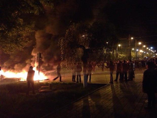 В центре Мариуполя идет бой