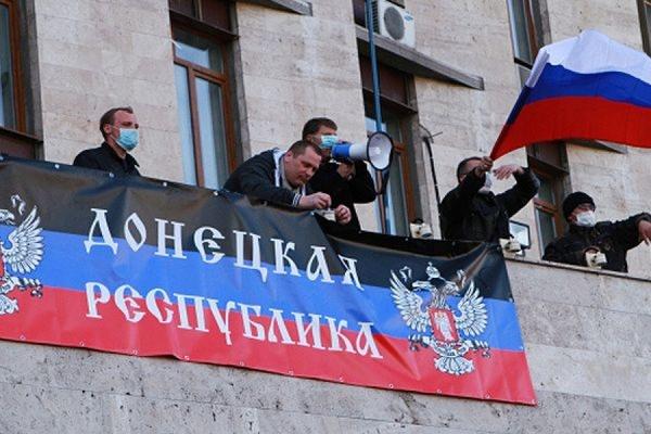 Ополченцами заняты уже 11 окружных избиркомов в Донецкой и Луганской областях