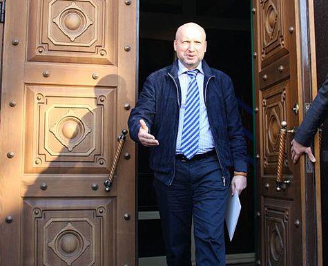 Турчинов не пустил журналистов без разрешения тещи