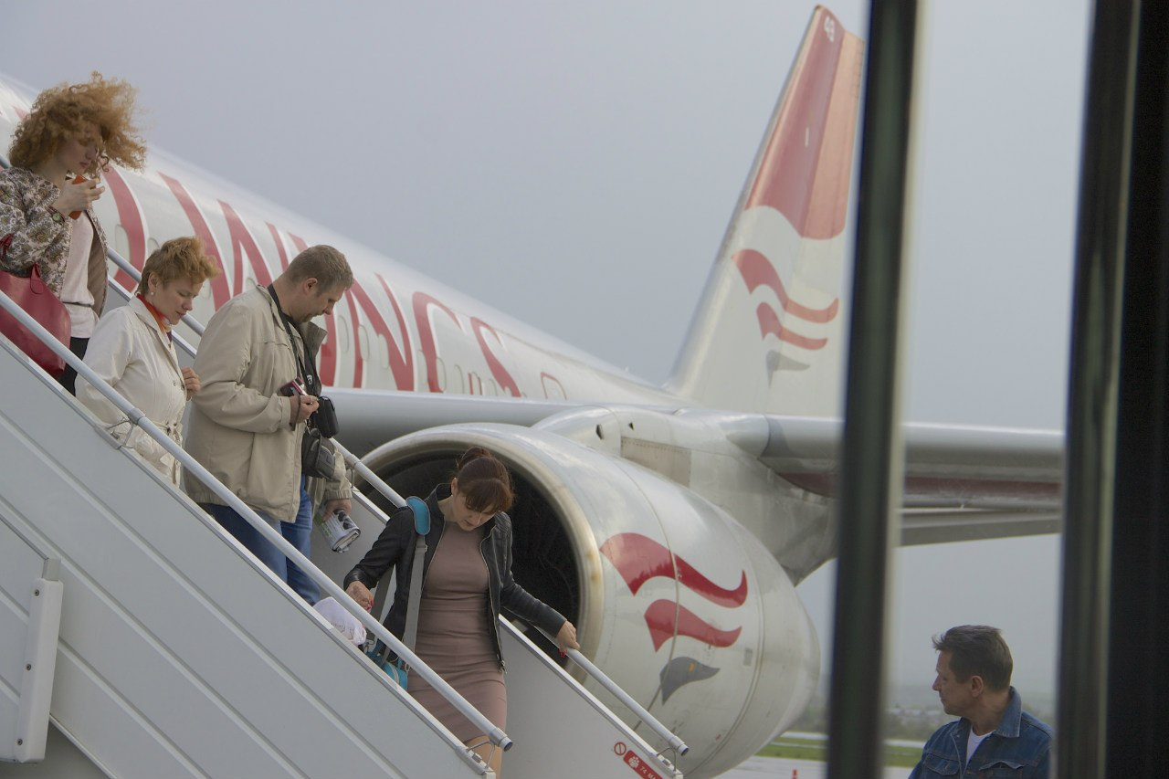 Правительство хочет снизить цены на услуги в аэропортах