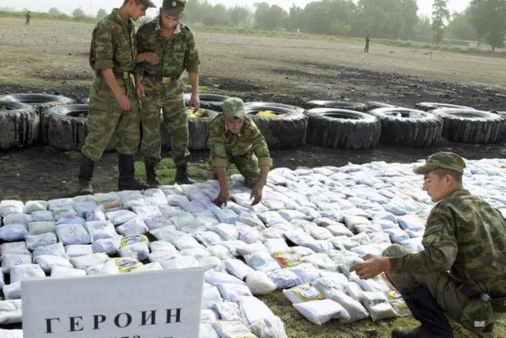 Через Украину везут афганский героин и американский кокаин