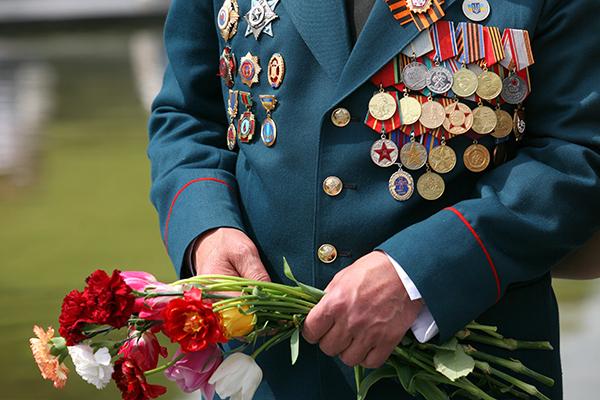 Ветеранов без приглашений не впустят на победный парад в Москву
