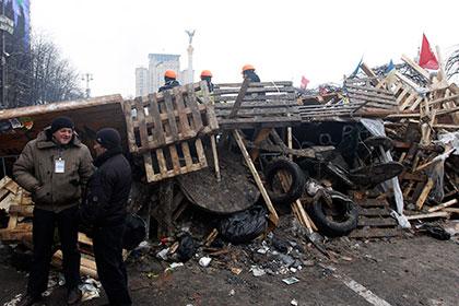 Турчинов распорядился снести палаточный городок на Майдане к инаугурации Порошенко