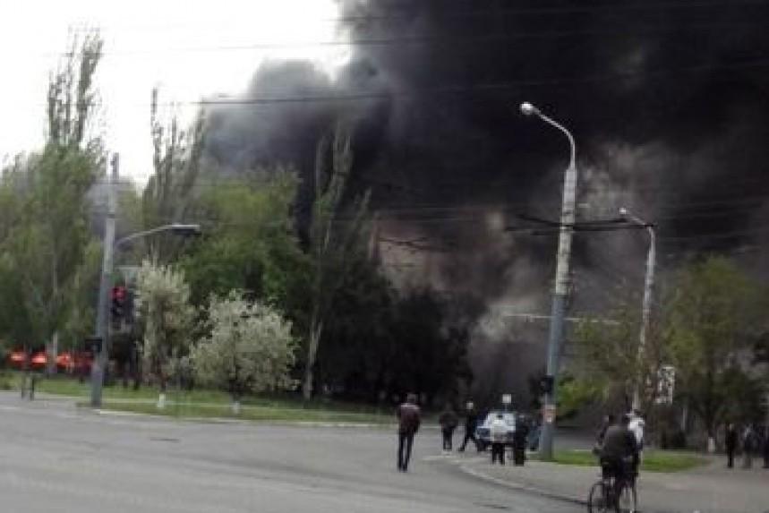 В Мариуполе батальон Азов штурмует штаб ДНР