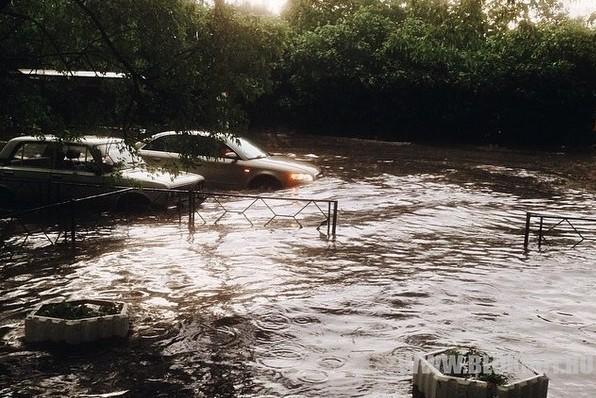 Район Новогиреево в Москве затопило после ливня