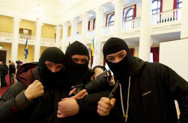 Славянск. Боевики «Правого сектора» находятся «под кайфом»