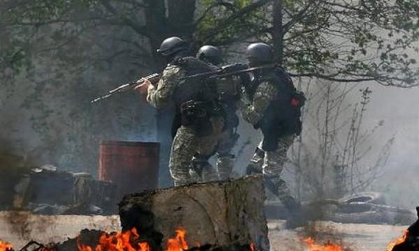 В Славянске слышны взрывы снарядов