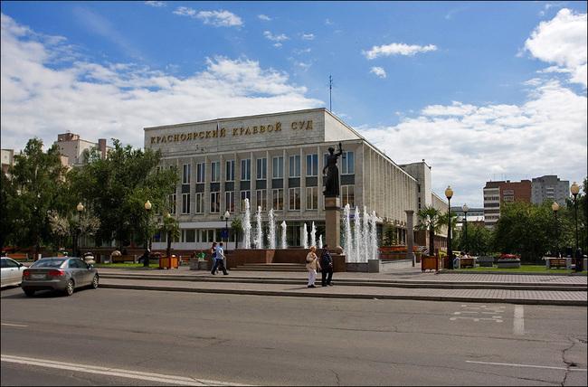Убийцам воспитателя детсада в Красноярском крае дали 32 года на двоих