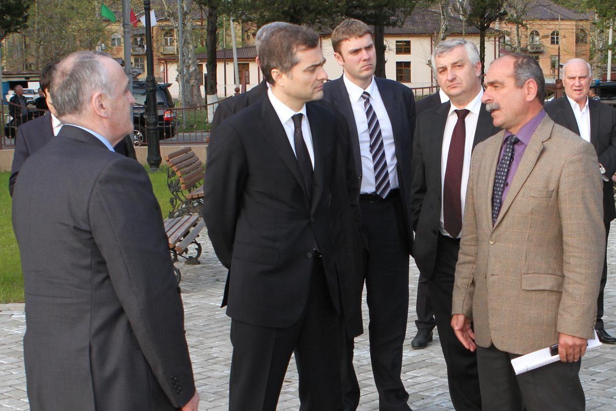 Сурков встретился с президентом Абхазии