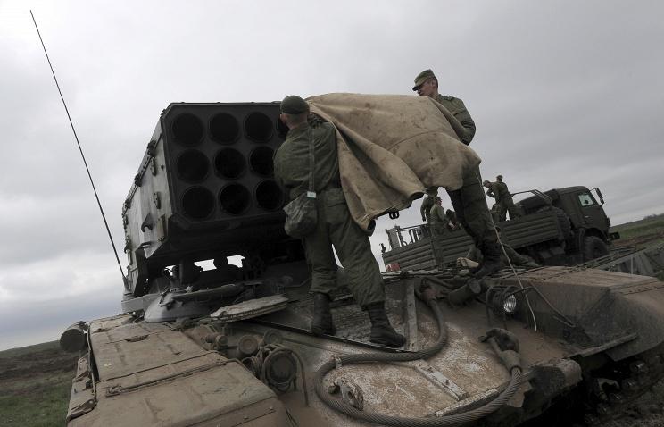 Российские войска эвакуировали с украинской границы на четырех железнодорожных эшелонах и 15 самолетах Ил-76