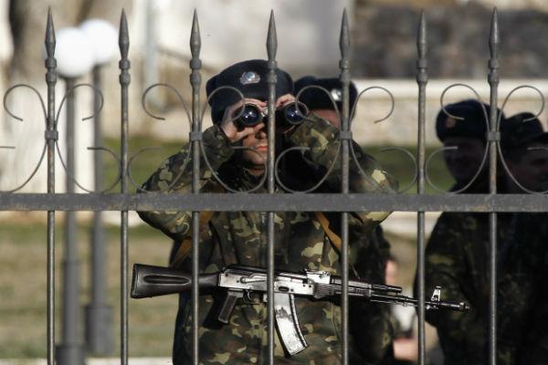 Воинская часть в Донецке сдалась ополченцам