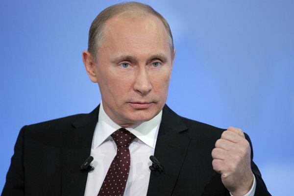 Путин дал команду вернуть войска, проводившие учения близ границы с Украиной