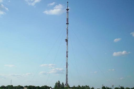 Ночью в Славянске под минометный обстрел вновь попала телевышка