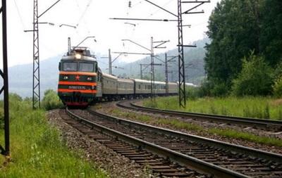 Из-за взрыва участка на ж/д в Донецкой области закрыто движение поездов