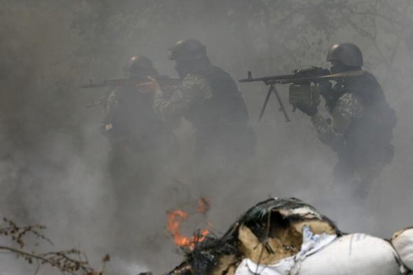 Украинская армия пытается прорваться в центр Славянска