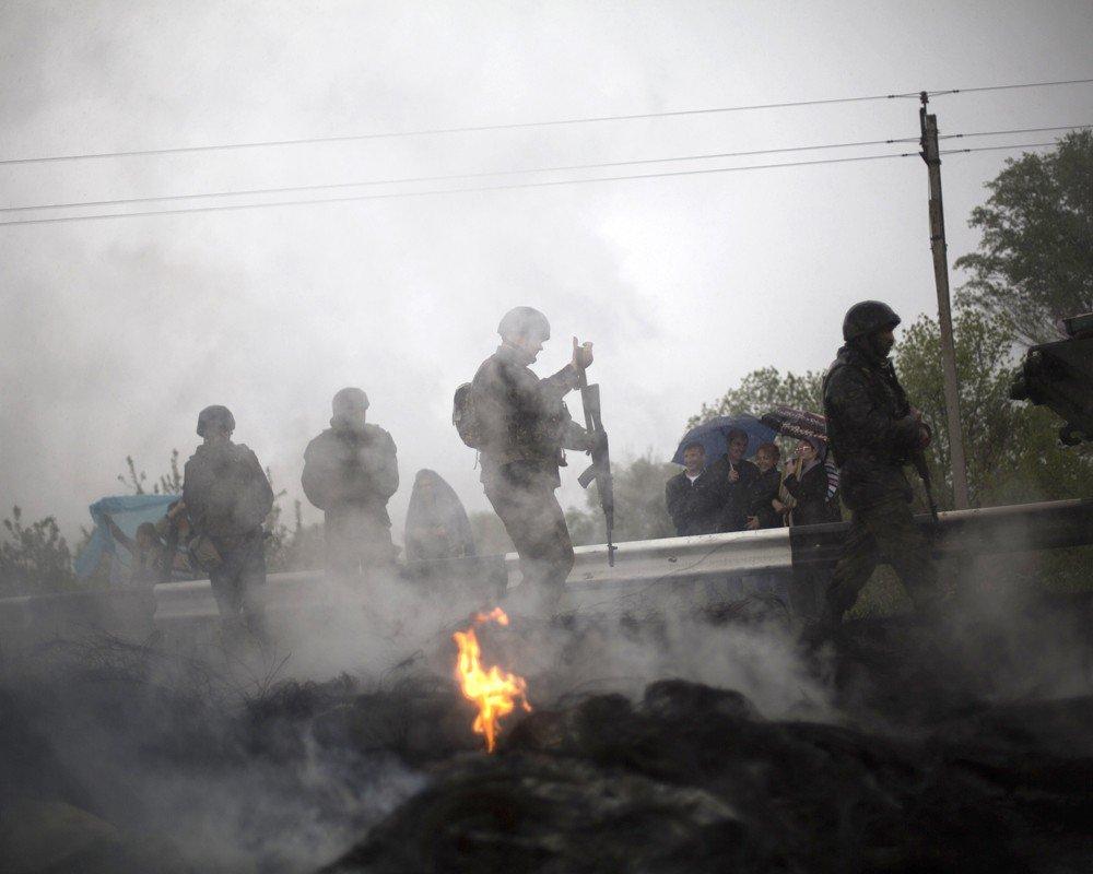 Украинская армия бомбит Славянск
