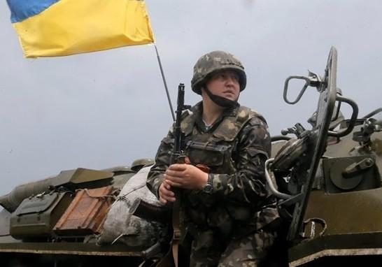 Украинские силовики продолжают обстреливать Красный Лиман и Славянск