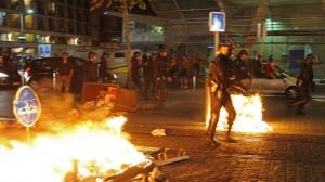 Столкновения с полицией в Лионе