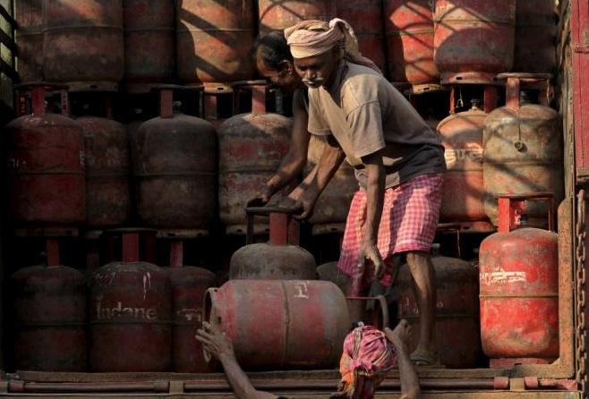Индия хочет получать российский газ через Китай