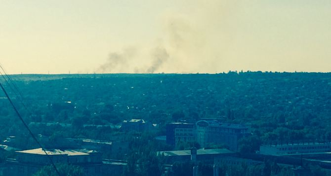 Украинские силовики обстреливают Луганск перед окончанием перемирия